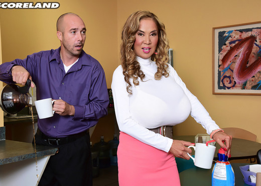 Minka - Mega-Boobs Office - ScoreLand - Boobs Nude Gallery