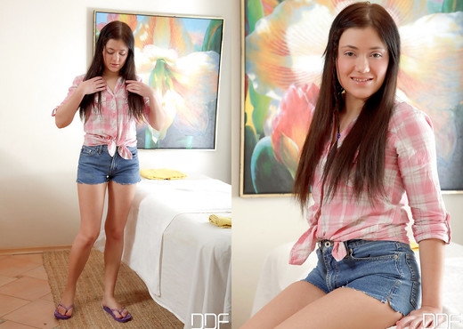 Seren - Massaging With Her Mouth! - Solo Image Gallery