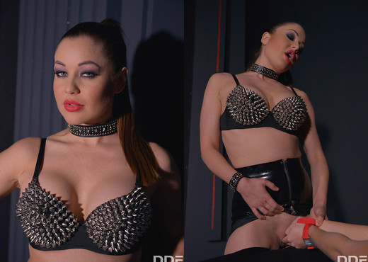 Fisted - Dominatrix penetrates her backdoor - BDSM Hot Gallery