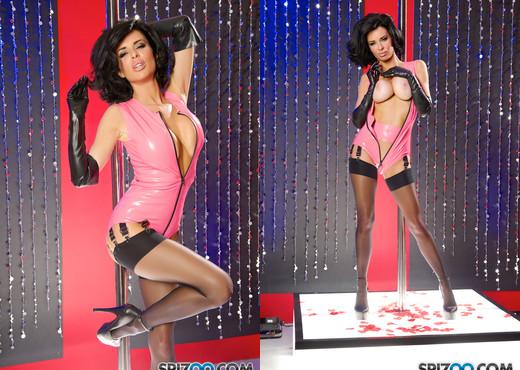 Veronica's Club Experience - Sexy MILF Veronica Avluv - Blowjob Hot Gallery