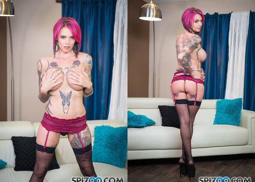 Anna Bell Peaks Blows Everyone - Spizoo - Blowjob TGP