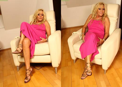 Andrea - Karup's Older Women - MILF Nude Pics