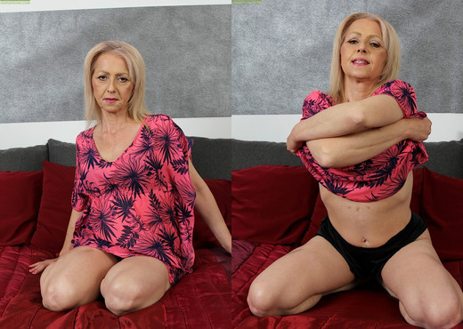 Shiela - Karup's Older Women - MILF Picture Gallery