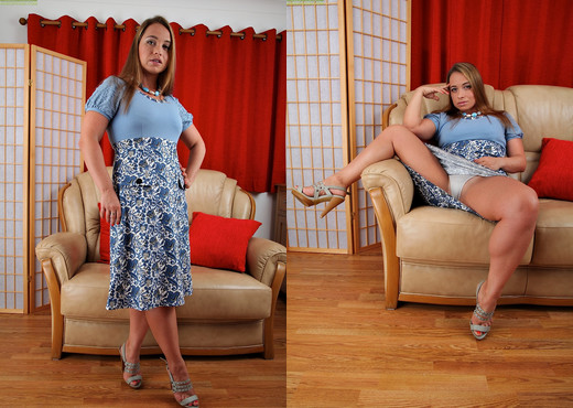 Olga Cabaeva - Karup's Older Women - MILF Sexy Gallery