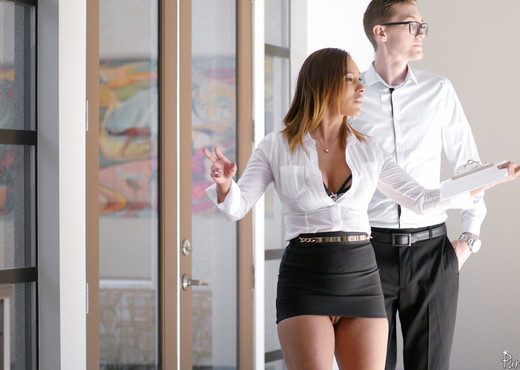 Kiera Rose - Horny Real Estate Agent - Pure Mature - MILF Nude Gallery