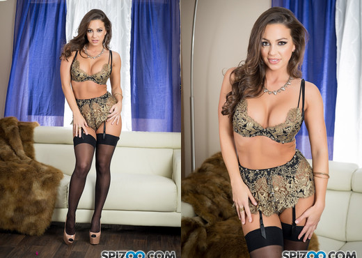 Abigail Mac Queen Lady - Spizoo - Solo Image Gallery