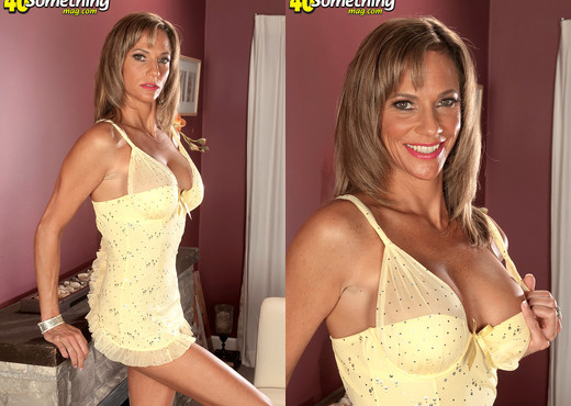 Montana - I'm one of the horniest, hottest 42-year-olds - MILF TGP