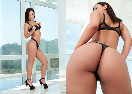 Amara Romani - DarkX - Pornstars Hot Gallery