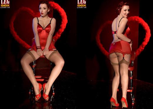 Angelica - Smitten Kitten - Leg Sex - Feet Nude Pics