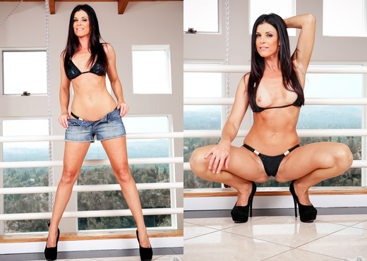 India Summer - Mommy Blows Best - Blowjob HD Gallery