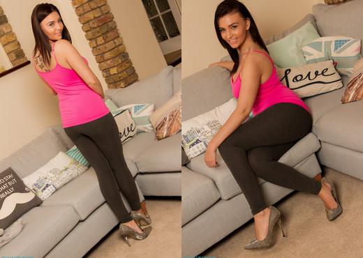Stephanie Warren - Stephanie Leggings - Skin Tight Glamour - Solo Sexy Gallery