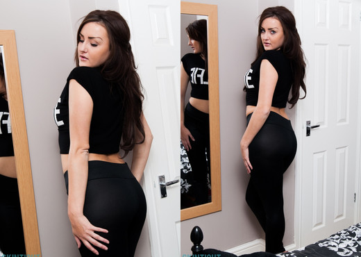 Georgie Smith - Gerogie Black Leggings - Skin Tight Glamour - Solo Sexy Photo Gallery