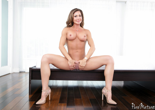 Nina Dolci - Strangers On A Beach - Pure Mature - MILF Porn Gallery