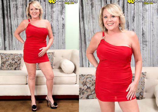 "Morgan Monroe - Morgan Says, ""please Jack For Me!"" - MILF Picture Gallery"