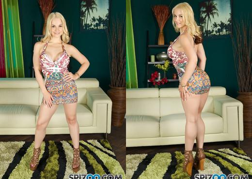 Sarah Pussy Spread - Sarah Vandella - Spizoo - Hardcore Image Gallery