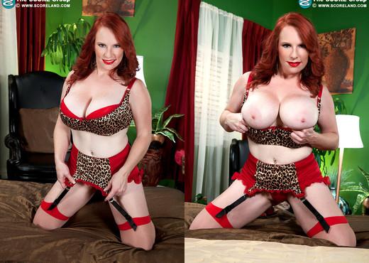 Red Vixen - Reds First Xxx - ScoreLand - Boobs Sexy Photo Gallery