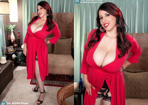 Elle Flynn - Slick Tits - ScoreLand - Boobs Hot Gallery