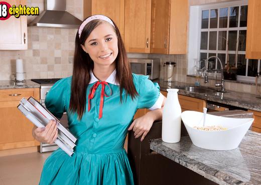 Carolina Sweets - After School Snack - 18eighteen - Teen Picture Gallery