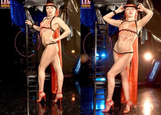 Katerina Kat - Trapeze Tramp - Leg Sex - Solo Nude Gallery