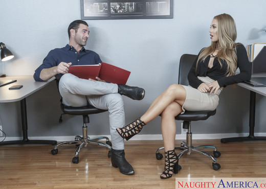 Nicole Aniston - Naughty Office - Hardcore Nude Gallery
