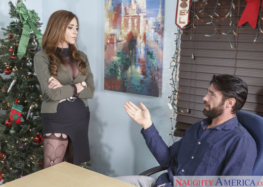 Ariella Ferrera - Naughty Office - Hardcore TGP
