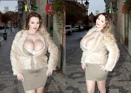 Micky Bells - Breasts Beyond Belief - ScoreLand - Boobs Sexy Photo Gallery