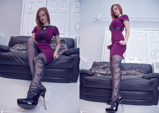 Zara Du Rose - Black And Blue Beauty - More Than Nylons - Solo Porn Gallery