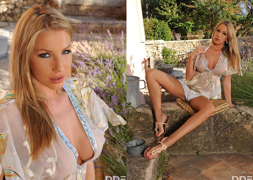 Danielle Maye - Toy in the Garden! - Solo Image Gallery