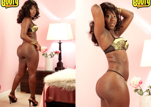 Janea Jolie - Divine Derriere - Bootylicious Mag - Ebony Nude Pics