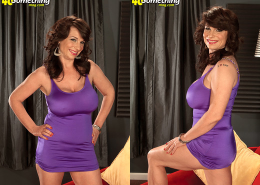 Elektra - Something For Everyone - 40 Something Mag - MILF Picture Gallery