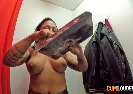 Deborah Wild - Surprise in the changing room - Hardcore Image Gallery