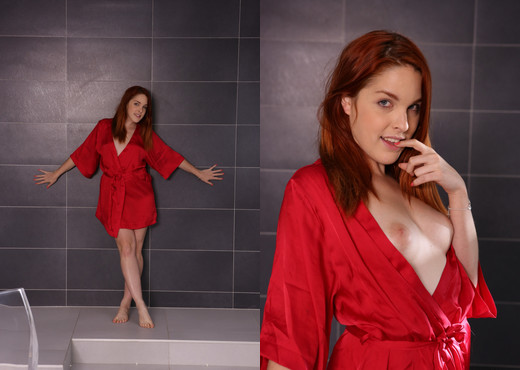 Stunning redhead tries to pee over her own body - Solo Nude Gallery