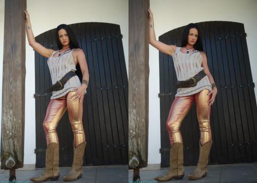 Tori W - Tori Gold Leggings - Skin Tight Glamour - Solo Sexy Photo Gallery