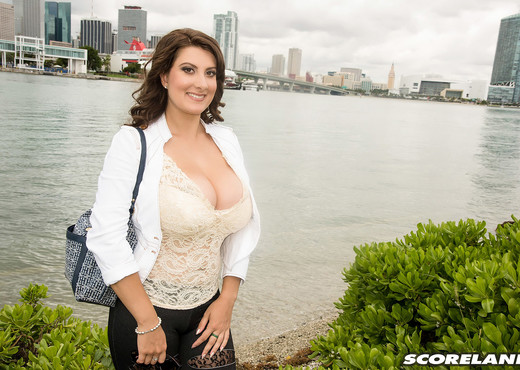 Valory Irene - Valorys Florida Vacation - ScoreLand - Boobs Picture Gallery