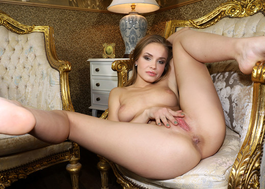 Live In Luxury - Angel B - Watch4Beauty - Solo TGP