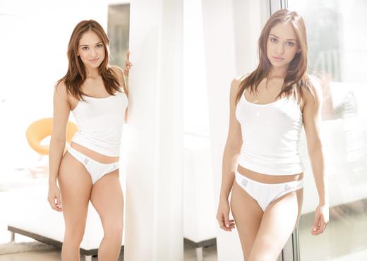 Sara Luvv - Erotica X - Solo HD Gallery