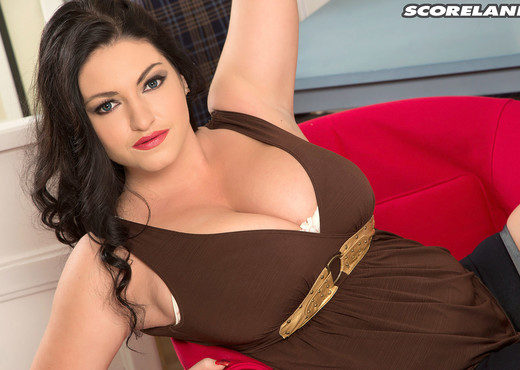 Juliana Simms - Busty Beauty - ScoreLand - Boobs TGP
