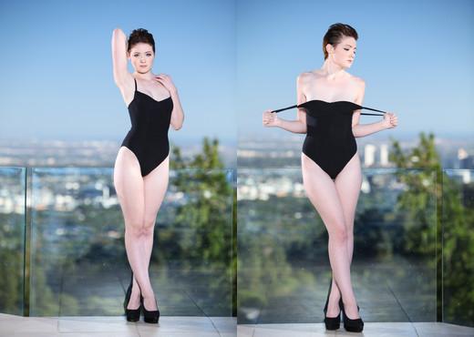Emma Snow - Erotica X - Solo Image Gallery