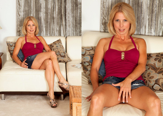 Jenny Mason - More Horny Than Ever Before - Naughty Mag - Amateur Sexy Gallery