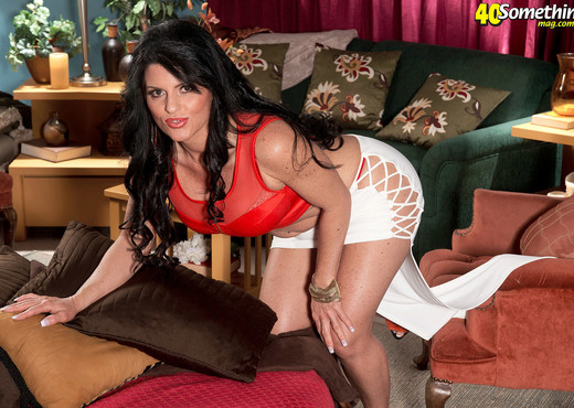 Jade Steele - Perfect Jade - 40 Something Mag - MILF HD Gallery