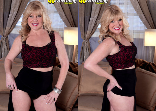 Dawn Jilling - Jack To Jilling - 40 Something Mag - MILF Sexy Photo Gallery