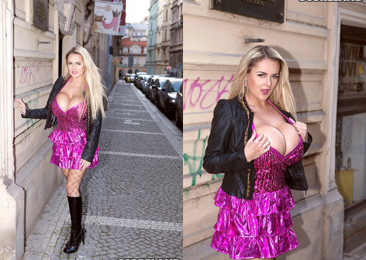 Katie Thornton - Big Boob Models Wanted - ScoreLand - Boobs Porn Gallery
