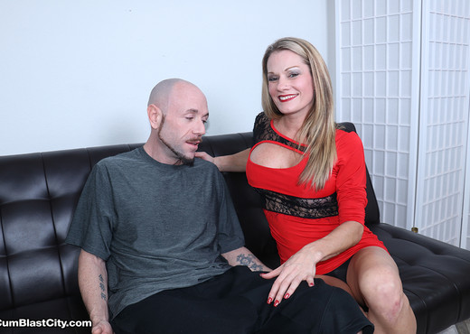 Allura Skye: Sloppy Seconds - Cum Blast City - Hardcore Picture Gallery