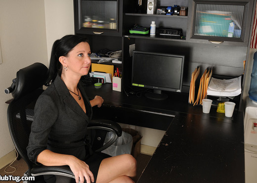 Kelly Greens - Big Package Delivery - ClubTug - Hardcore TGP