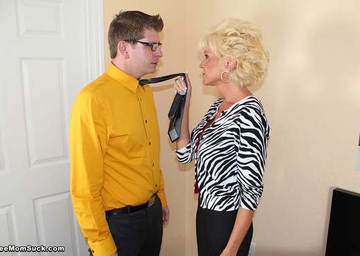 Nikki Sixxx - Meet My Mother In Law - See Moms Suck - Blowjob HD Gallery