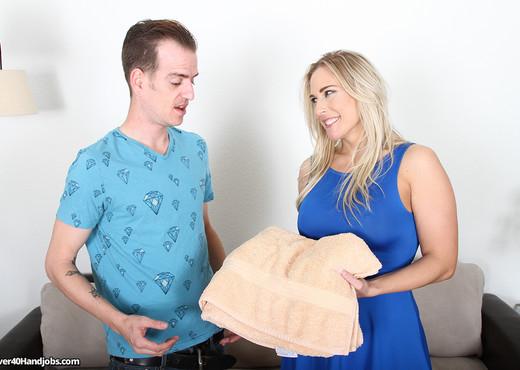 Angela Allwood - MIlf Massage - Over 40 Handjobs - MILF TGP