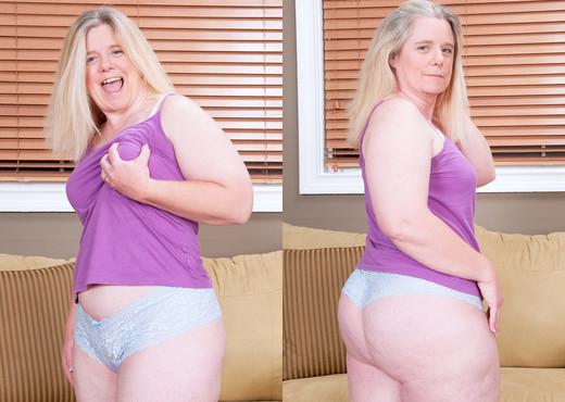 Jemini Jordan - Im Big N Horny! - Naughty Mag - Amateur TGP