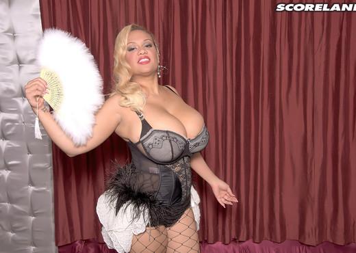 Liza Biggs - Busty Burlesk - ScoreLand - Boobs Nude Gallery