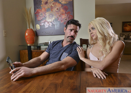 Elsa Jean - Neighbor Affair - Hardcore Nude Pics