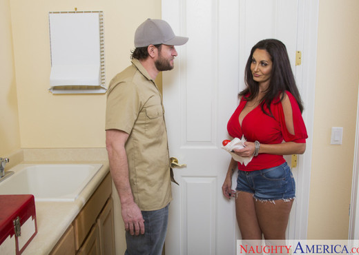 Ava Addams - Seduced By A Cougar - MILF Picture Gallery